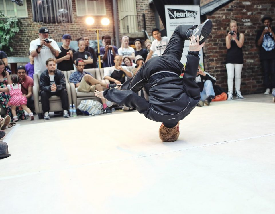 breakdancing-1450054_1280