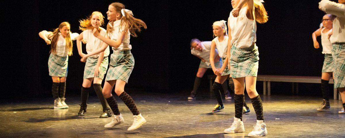 dance-517687_1280